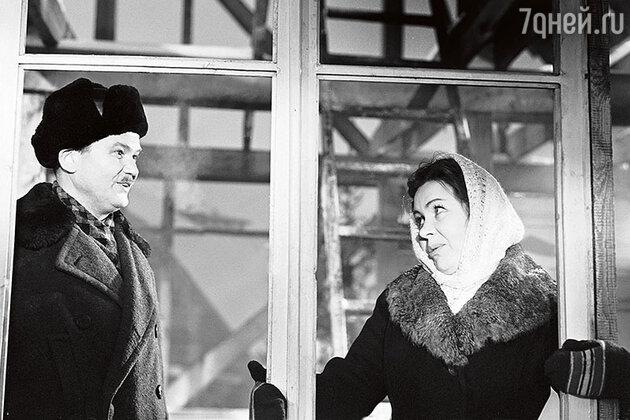 Виктор Бойков и Инна Макарова в фильме «Девчата». 1961 г.