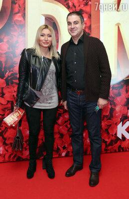Гарик Мартиросян с женой Жанной
