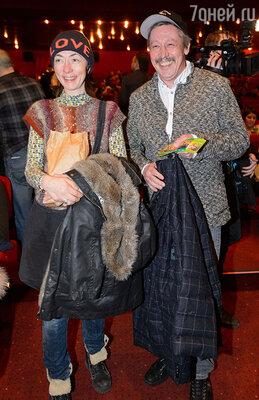 Михаил Ефремов с супругой