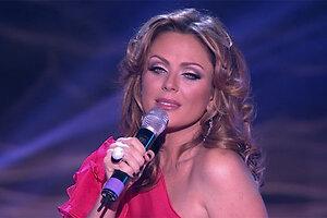 Юлия Началова спела про любовь и одиночество