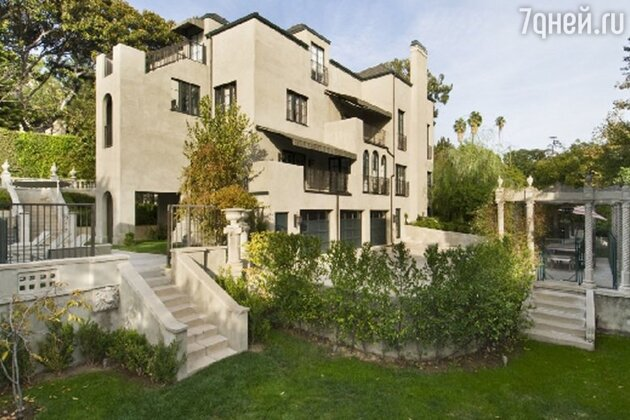 Дом в Лос-Анджелесе, принадлежавший Кэти Перри и ее бывшему мужу Расселу Бранду
