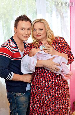 Светлана Пермякова сама предложила своему директору Максиму Скрябину стать отцом ее ребенка