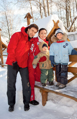 Григорий Антипенко и ЮлияТакшина расстались после шести лет совместной жизни.С сыновьями Ваней и Федей