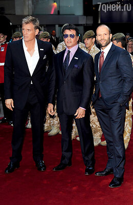 С Дольфом Лундгреном и Сильвестром Сталлоне на лондонской премьере «Неудержимых». 2010 г.