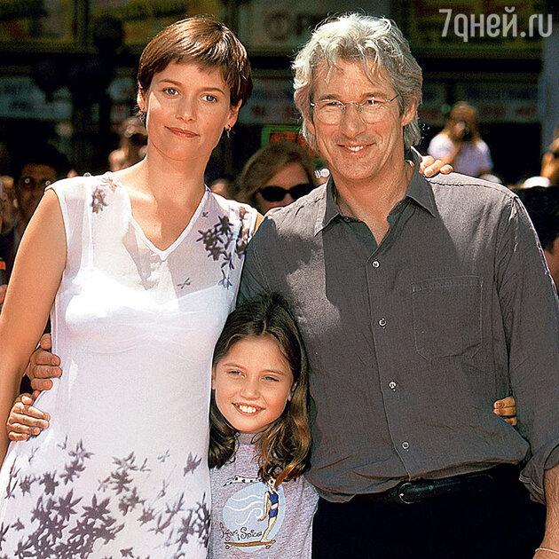 Ричард Гир с Кэри Лоуэлл и ее дочерью Ханной