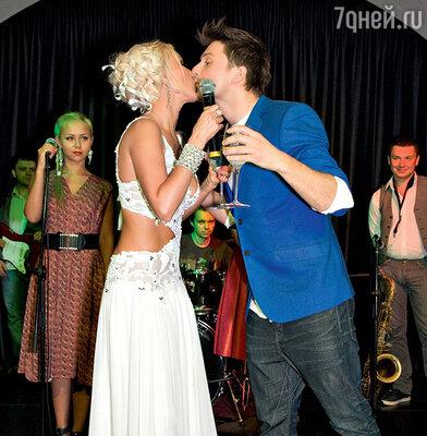 Сергей Лазарев поздравлял Леру под крики «Горько!»