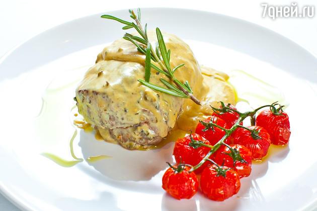 Говяжья вырезка под соусом из перца: рецепт от бренд-шефа Джузеппе Д'Анджело