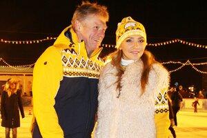 Татьяна Навка с мужем стали главными героями на катке у Кремля