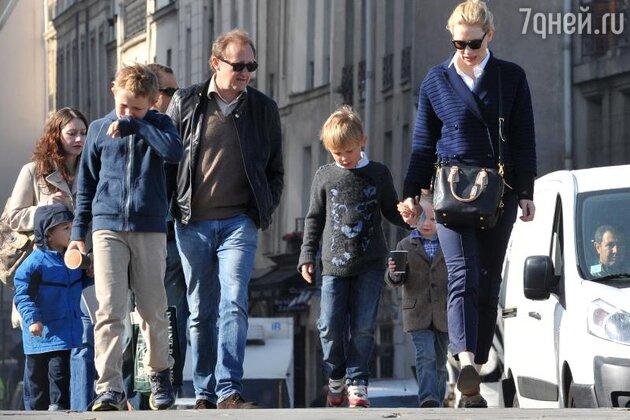 Кейт Бланшетт с мужем и сыновьями