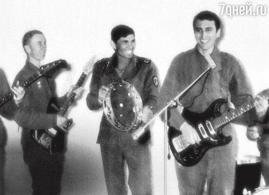 Репетиция военного ансамбля. Во время службы в армии. 1970 г.
