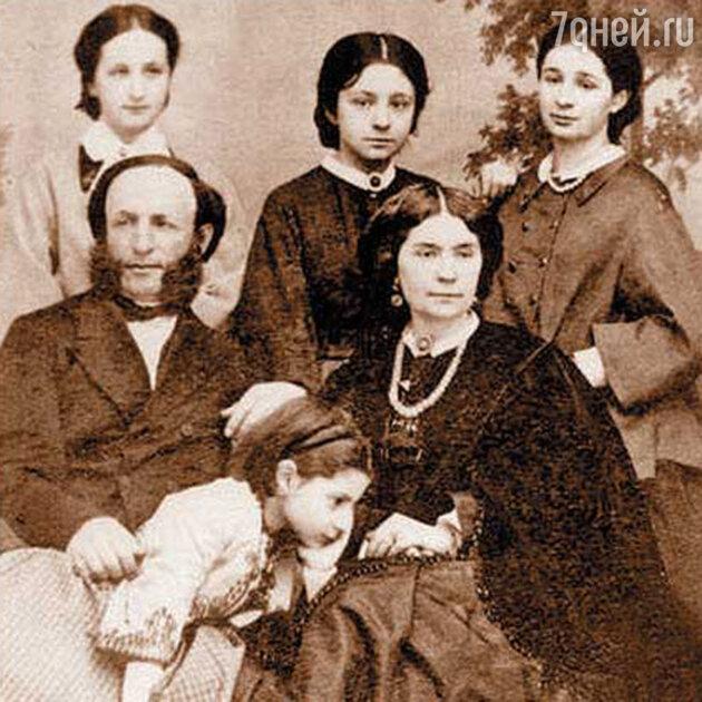 Айвазовский с женой Юлией и дочерьми. 1868 г.
