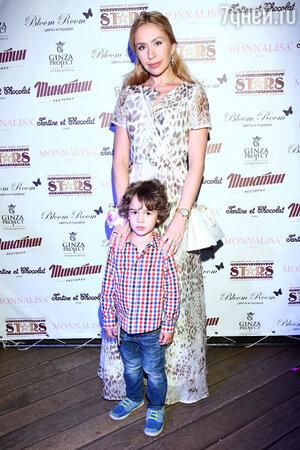 Анастасия Гребенкина с сыном