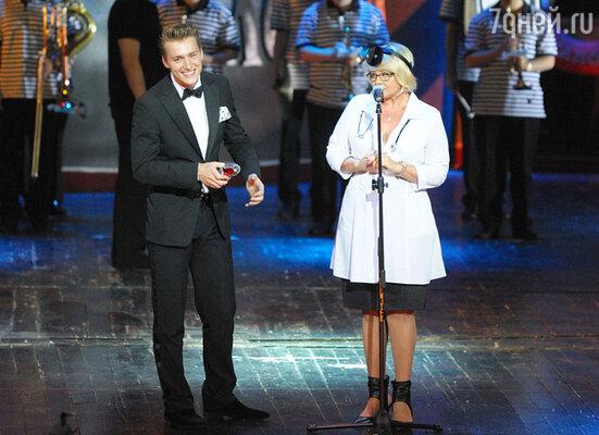 Алексей Воробьев во время прямого эфира «Евровидение-2011» позволил себе нецензурные высказывания, это и стало причиной его номинирования