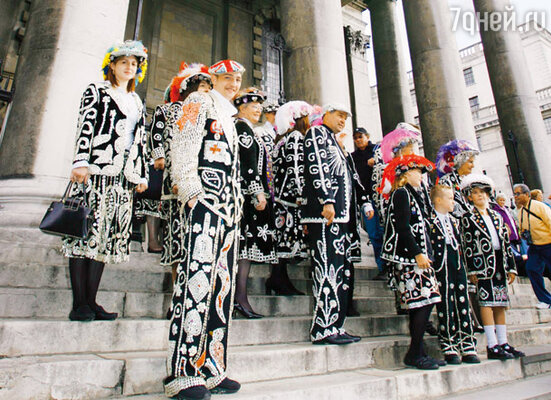 Участники «жемчужного» шествия. Лондон, 2005 г.