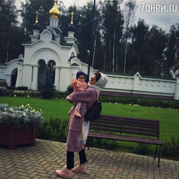 Екатерина Климова с дочкой Бэллой