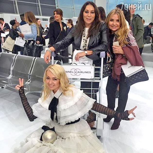 Алла Вербер, Яна Рудковская и Николь Веймбаум на показе Chanel