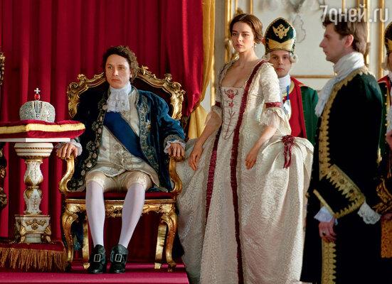Марина Александрова и Александр Яценко сыграли императорскую чету— Екатерину и Петра III