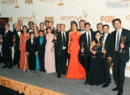 Лучший комедийный сериал — «Американская семейка» (на фото — съемочная группа)