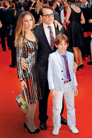 Сара Джессика Паркер с Бродериком и сыном Джеймсом Уилки