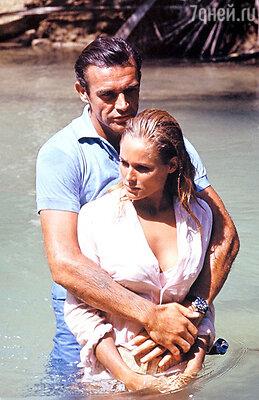 Шон Коннери и Урсула Андресс в самом первом фильме «бондианы» — «Доктор Ноу»