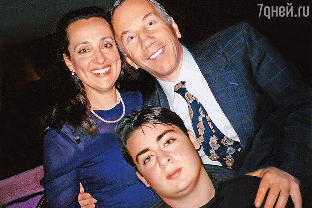 Савелий Крамаров и Наталия Сирадзе с сыном