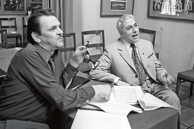 Юрий Яковлев иЕвгений Симонов во время чтения пьесы. 1973 г.