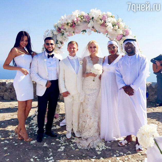 Тимати  на свадьбе  друга