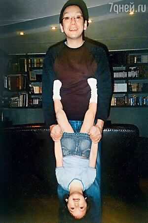 Егор Кончаловский с дочкой Машей. 2003 г.