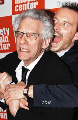 Теперь Майкл мог позволить себе что угодно — даже до смерти перепугать знаменитого режиссера Дэвида Кроненберга. Нью-Йорк, 2011 г.