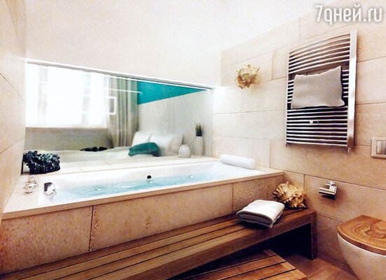 Такой, по замыслу дизайнера, будет ванная. Здесь установят зеркало ссекретом: нажимаешь на кнопку — ионо становится прозрачным