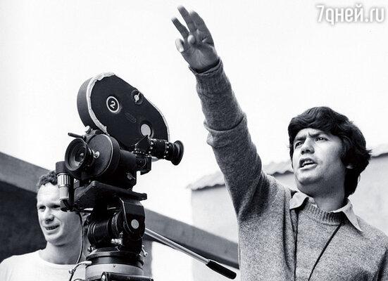 В институте он был абсолютной звездой, его фильм «Первые страницы» завоевал множество наград