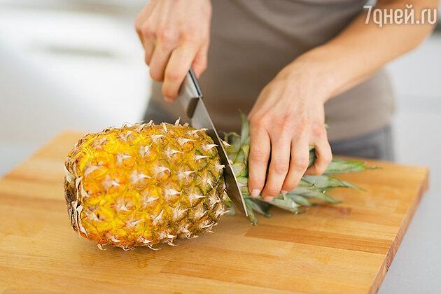 Как почистить ананас?
