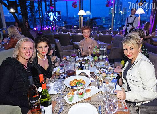 Глеб Матвейчук, Анастасия Макеева, Жанна Эппле и Катя Лель