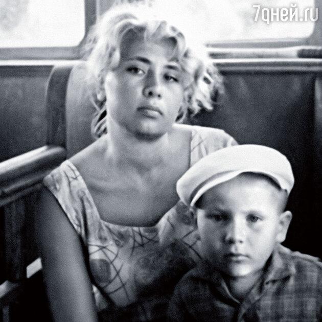 Евгений Весник-младший с мамой в Сочи