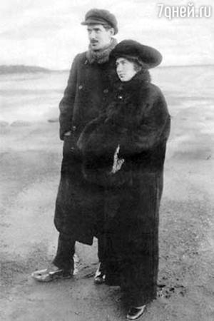 Корней Чуковский с женой