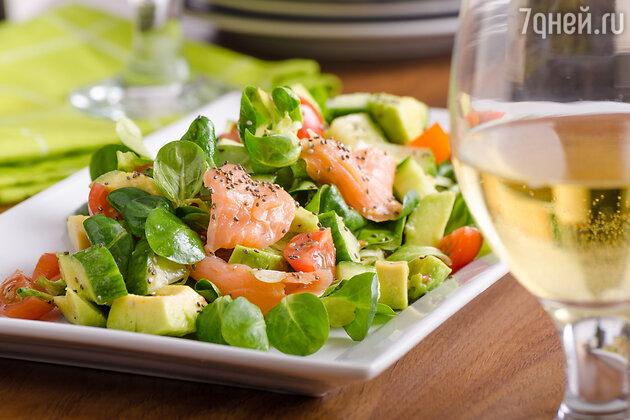 Салат из лосося и авокадо от Леры Кудрявцевой