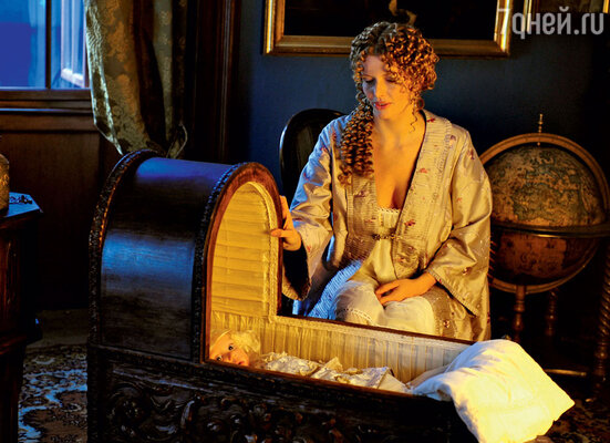 Анна Чурина, сыгравшая возлюбленную путешественника Грина, подхватила на съемках воспаление легких: в замке стоял ледяной холод