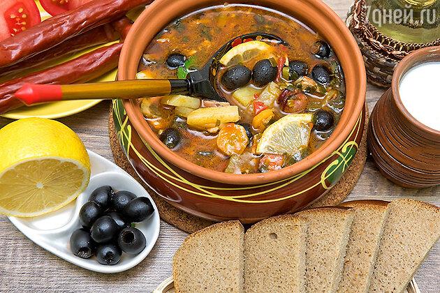 Солянка мясная, рыбная и грибная: 3 рецепта вкусных супов