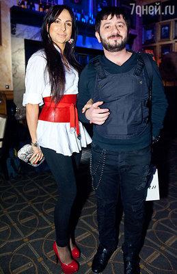 Михаил Галустян с женой