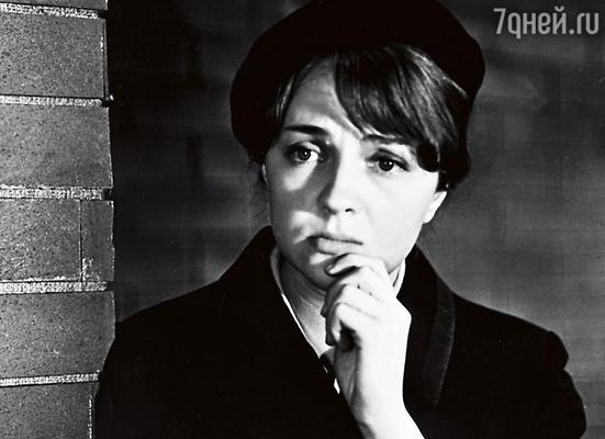 Екатерина Градова вроли радистки Кэт вфильме «Семнадцать мгновений весны». 1971 г.