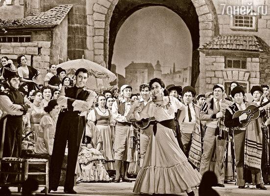 Все недели гастролей русские буквально носили Дель Монако на руках. Марио в роли Хозе и Ирина Архипова в роли Кармен в опере Ж. Бизе «Кармен» в постановке ГАБТ СССР, 1959 г.