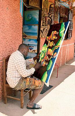 Рядом с сувенирными лавками изредка можновстретить местныххудожников. Восновном же сувениры привозят из Сенегала, ближайшего от Кабо-Верде африканского государства