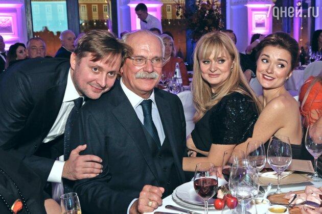 Артем Михалков, Никита Михалков, Анна Михалкова, Надежда Михалкова