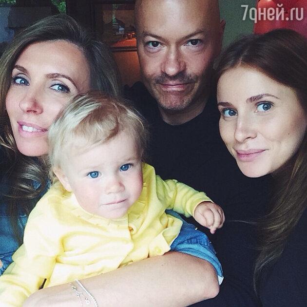 Светлана и Федор Бондарчук с невесткой Татой и внучкой Маргаритой