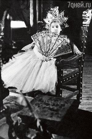 Елена Макарова в детстве