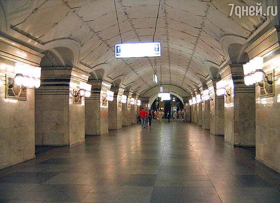 Южный вестибюль станции метро Спортивная