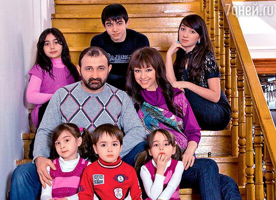 У Согдианы и ее супруга Башира уже 11 детей на двоих