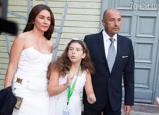 Игорь Крутой с женой и дочкой