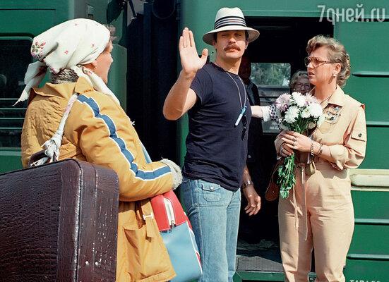 Я дружил с Никитой Михалковым. У этой дружбы своя предыстория: нас сблизил фильм «Родня». На съемках с Нонной Мордюковой и Светланой Крючковой