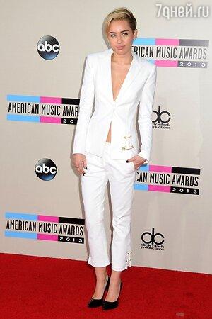 Майли Сайрус не досталась ни одна награда на American Music Awards 2013